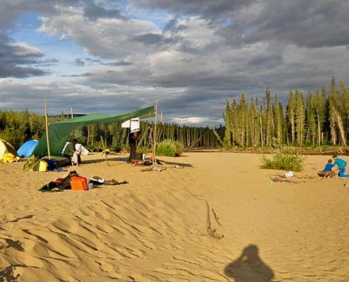 Lagerleben am Nisutlin River
