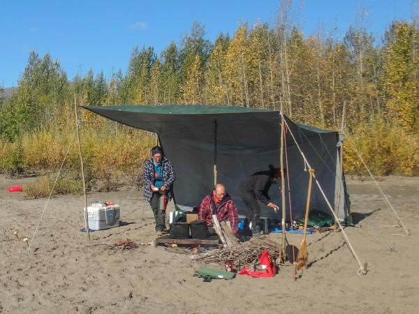 Lagerleben auf dem Nisutlin River