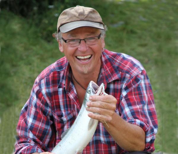 Ralph Müller mit Lachs